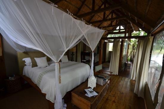 Tongabezi: Honeymoon House Sondabezi Island