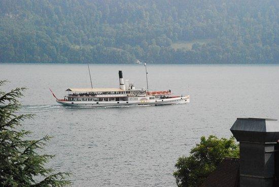 Lago de Ginebra: Boat on Lake Geneva--Passenger Ferry