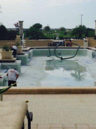 Omni Orlando Resort at Championsgate: Nice pool if it had water