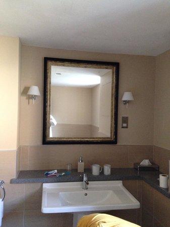 Crabwall Manor Hotel Spa: Bath
