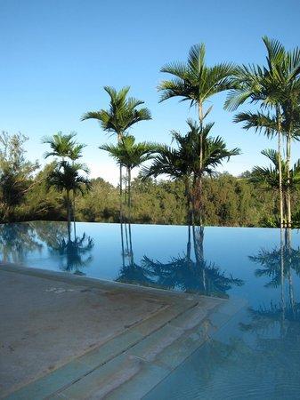 Hawaii Island Retreat at Ahu Pohaku Ho`omaluhia: Incredible Infinity Pool