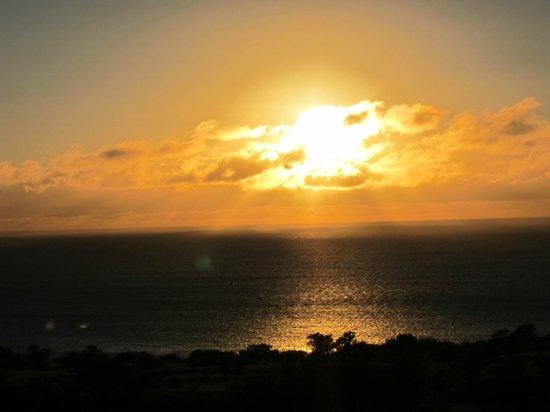 Hawaii Island Retreat at Ahu Pohaku Ho`omaluhia: Sunset just South of Hawi