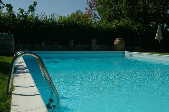 Casale Gregoriano: La piscina