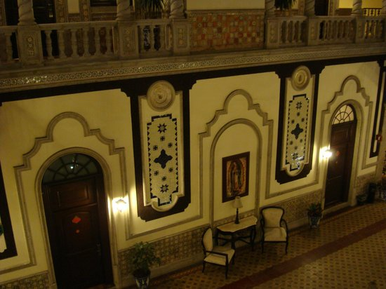 Hotel Morales Historical & Colonial Downtown Core: Inner Court - II