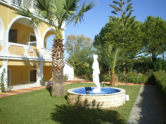 Hotel Macedonia: hotel grounds