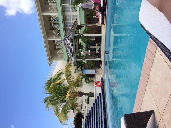 blu St Lucia : The pool!