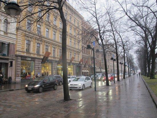 Hotel Kamp: Street outside Kämp