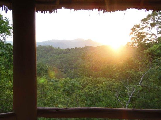 Sable Mountain Lodge: Couché de soleil vu de la chambre : romantisme assuré !
