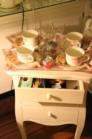Manoir de Beauregard: Tea and Snacks