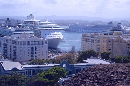 La Rogativa: View of cruise ship from Plaza