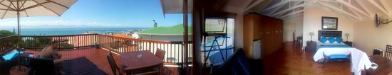 Aquamarine Guest House : Panoramic shot of the room&balcony!