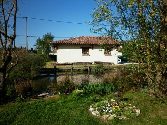 Chambres d'hotes en Bourgogne du DEVU : Dans une dépendance, deux chambres mitoyennes