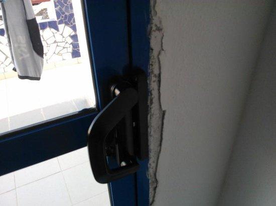 Aquasol Apartments: Poor repair