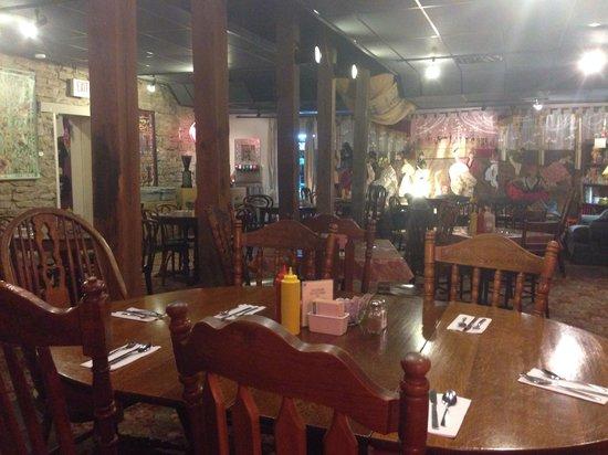 Mud Street Cafe: Inside cafe