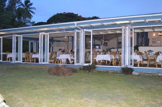 Tamarind House Restaurant: Tamarind House from its garden
