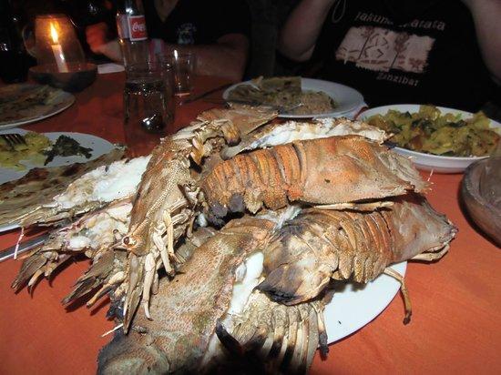 Okala's Restaurant: La Cigale grillée : un Régal pour les papilles !