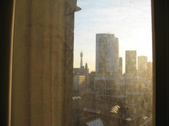 St. Pancras Renaissance Hotel London: View of BT Tower from our room