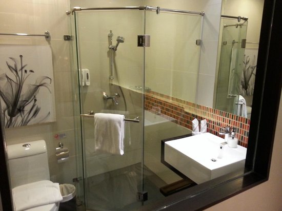 Aspira Prime Patong: bathroom - perfect!