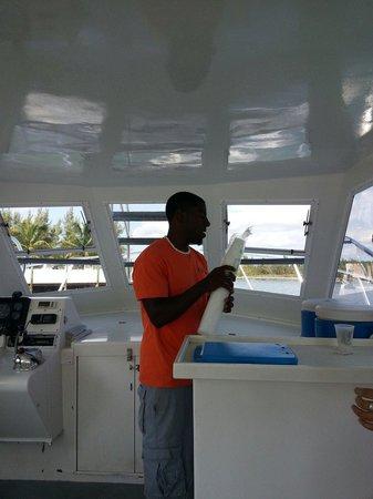 Taino Beach Ferry: Glass Bottom boat