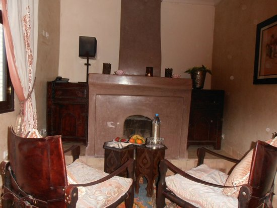 Riad Kheirredine: Log Fire in Room