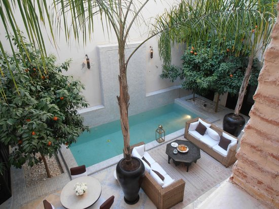 Riad Kheirredine: Courtyard Area