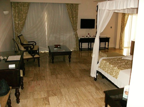 The Royal Suites Turquesa by Palladium: Our Room