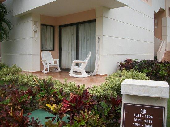 Catalonia Bavaro Beach, Casino & Golf Resort: Room patio