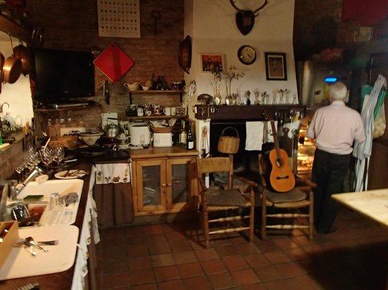 Cooking With Teresita: kitchen area