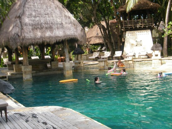 Novotel Bali Benoa : Lots of room, great pool