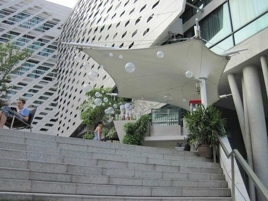 LiT BANGKOK Hotel: Terrace bar