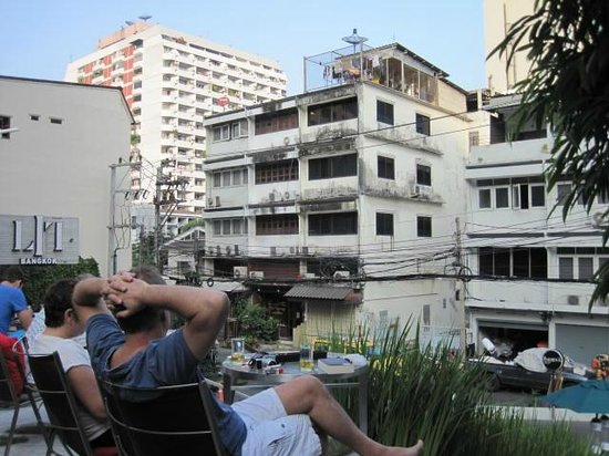 LiT BANGKOK Hotel: People watching on the terrace