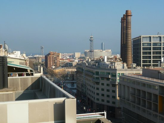 Barcelona Universal Hotel : view of the street down to the port