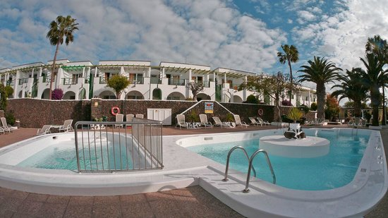 Apartamentos Guacimeta Lanzarote: Frisch sanierter Pool am 10.03.2014