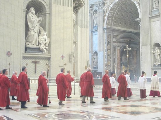 "Walks of Italy : A Feast Day Procession in St. Peters, ""Pristine Sistine"" Tour"