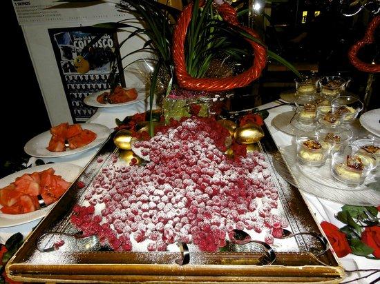 Hotel Cappella : einmalige Desertbuffetts (Silke mit Team)