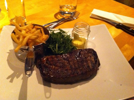 Ascough's Bistro: Steak and Chips