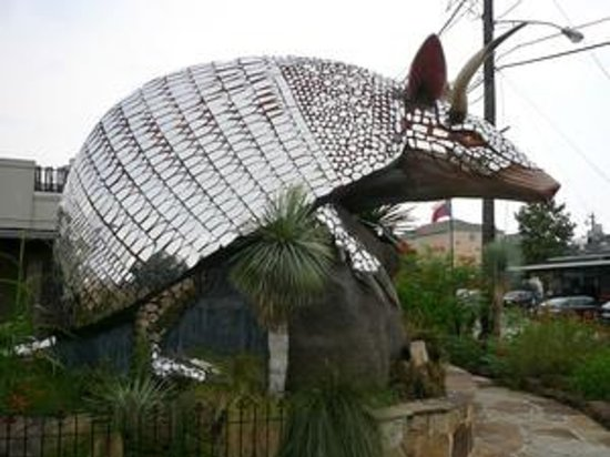 Goode Company Barbeque : giant armadillo at Goode's Armadillo Palace