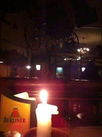 Deponie No. 3 : Interno a lume di candela