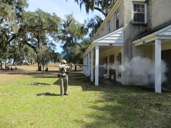 Fort McAllister State Historic Park Campground : Firing the Rifle