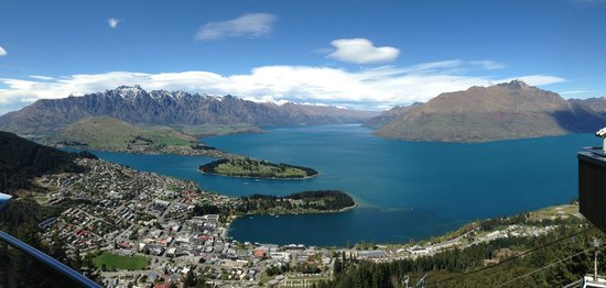 Sofitel Queenstown Hotel & Spa: View from the Sky restaurant