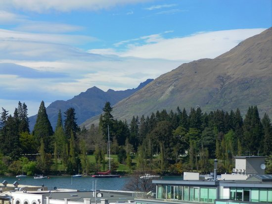 Sofitel Queenstown Hotel & Spa: View from room