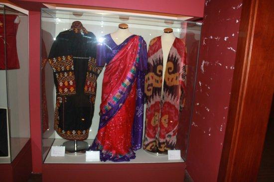 Museo de la Seda las Hilanderas: geisha dress