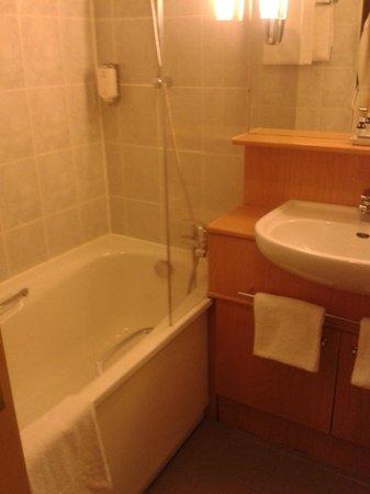 Citadines Bastille Marais Paris: Banheiro