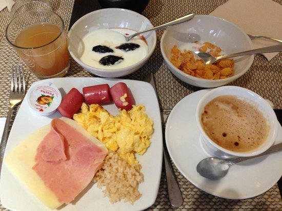 West Florence Hotel: breakfast