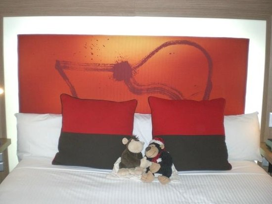 Novotel Sydney Rooty Hill: 623 Huge Bed