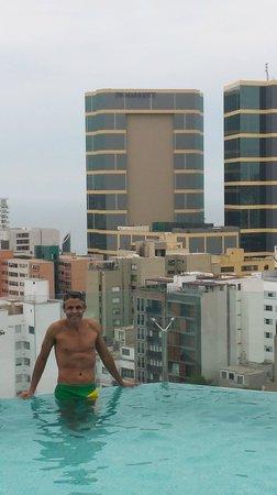 Hilton Lima Miraflores: Pool at rooftop