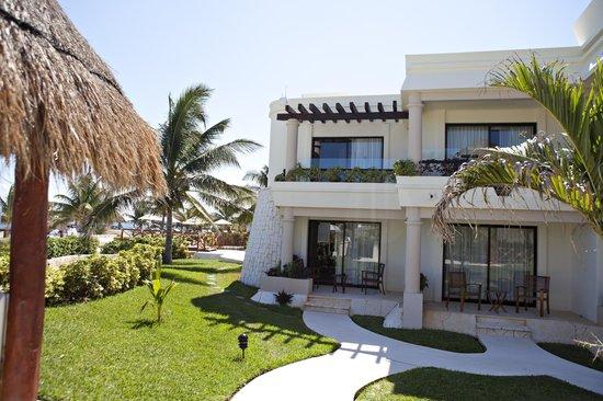 Azul Beach Resort Riviera Maya: hotel grounds