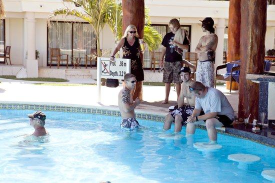 Azul Beach Resort Riviera Maya: in the pool