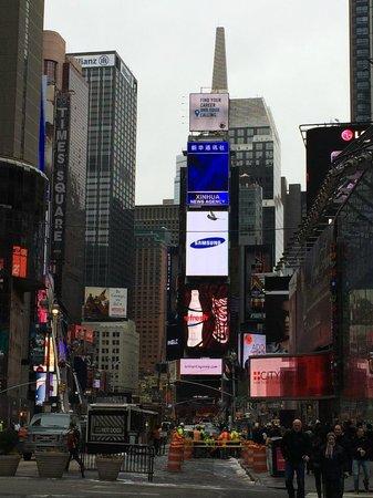 Times Square : タイムズスクエア
