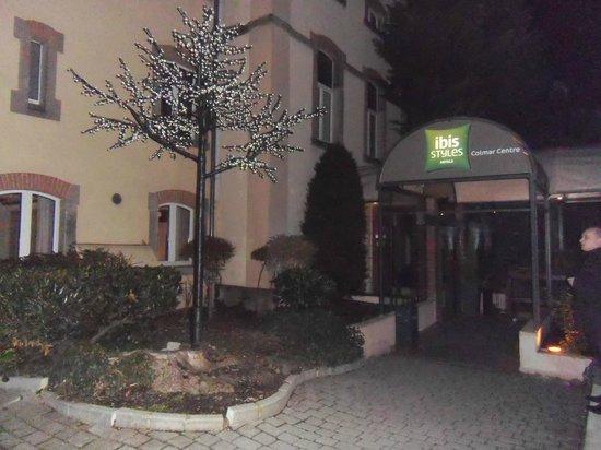 Ibis Styles Colmar Centre : entrée de l hotel